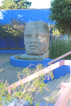 The Olmec statue outside the Ocean campus Diego Rivera Theatre was offered to City College in 2004. PHOTO BY JESSICA NORTH / THE GUARDSMAN