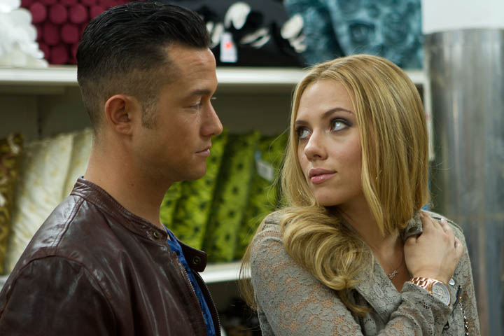 "M 082 Writer/Director Joseph Gordon-Levitt stars with Scarlett Johansson i n Relativity Media's ""Don Jon"".  ©2013 Relativity Media, LLC.  All Rights Reserved."