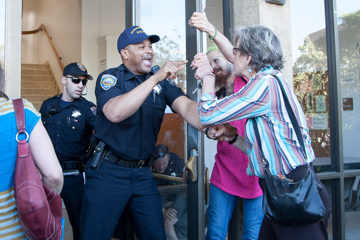 2014-03-13-CCSF-Protest-Rally-Police-Agrella-Santiago-Mejia-The-Guardsman-111