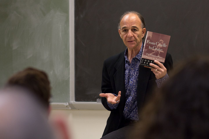 """Jonathan Freedman speaks about his book """"From Cradle to Grave"""" during his speech attempting to motivate students to experience different countries and spoke on his writing experiences. Freedman is a Pulitzer Prize-winning journalist. Photo by Khaled Sayed/The Guardman"""