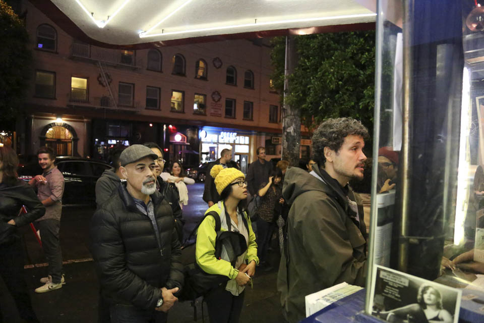 "Movie goers line up at the Mission district's Roxie Theater on the opening night of City College's 4th annual ""Festival of the Moving Image"" screening. Nov.19. (Photo by Natasha Dangond)"