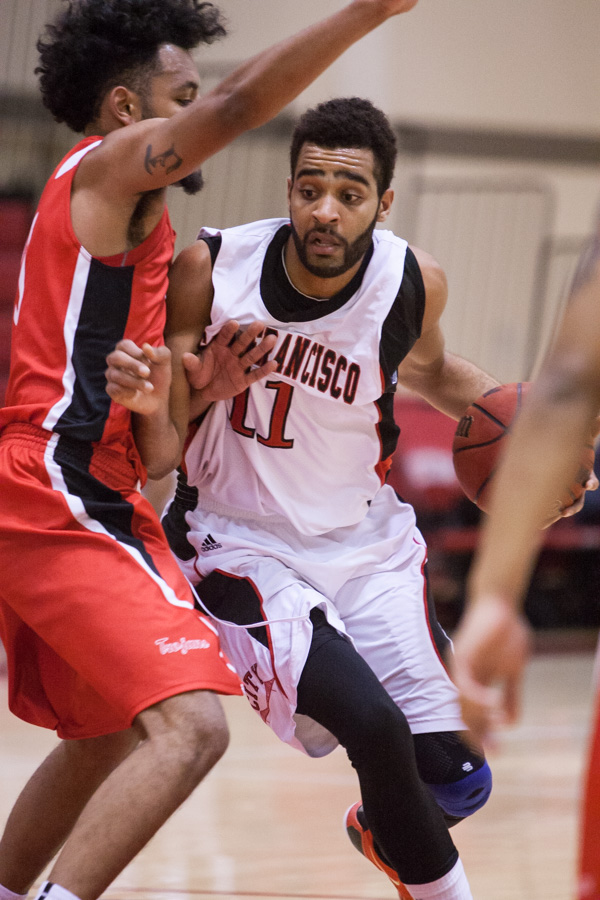 City College wins 65- 64 against Foothill College Photo byKhaled Sayed