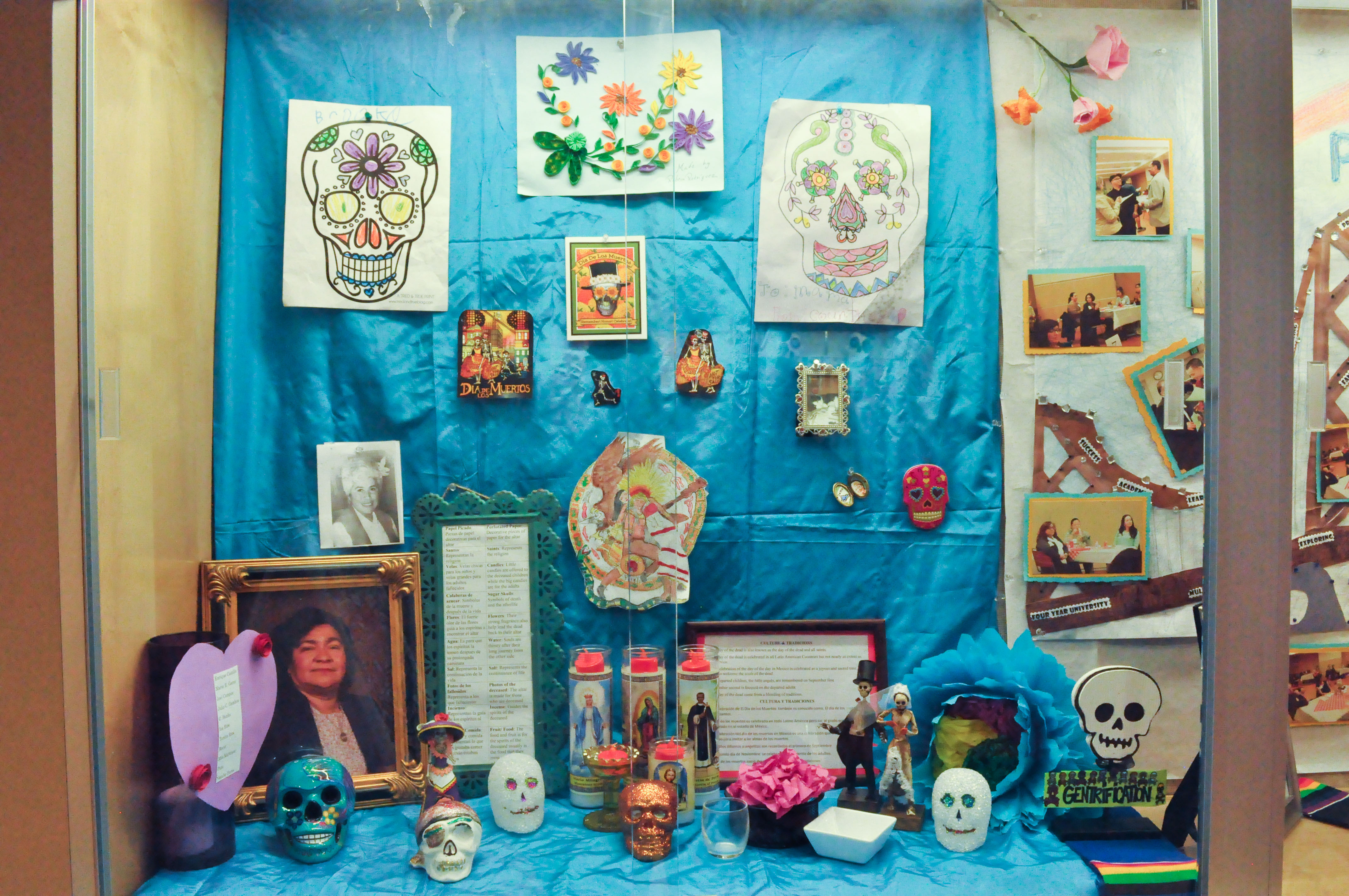 """Colorful altars and decorations are displayed on the first floor of City College Mission Campus that give a brief description of the culture and traditions celebrated during """"The Day of the Dead"""" on Thursday, Oct. 29, 2015. (Photo by Bridgid Skiba/The Guardsman)"""