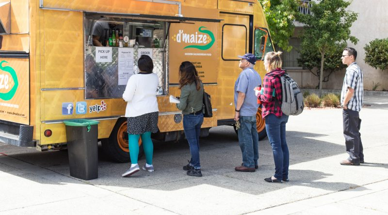 D'Maize food truck on Ocean Campus (Photo by John Ortillo/The Guardsman)