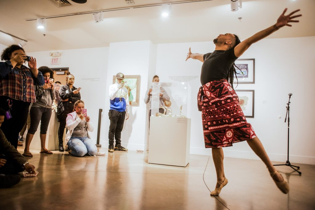 SPULU performs in the Being Pacific Opening reception at San Francisco State University on Oct. 13, 2016. Photo by Gabriela Reni/ The Guardsman.