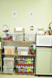 The Food Shelf at the H.A.R.T.S (Homeless At Risk Transitional Students) office located at the Student Union/Martin Luther King Center in the Ocean Campus provides students who sign in with a maximum two snacks per day. January 18, 2018. (Photo/Janeth R. Sanchez)