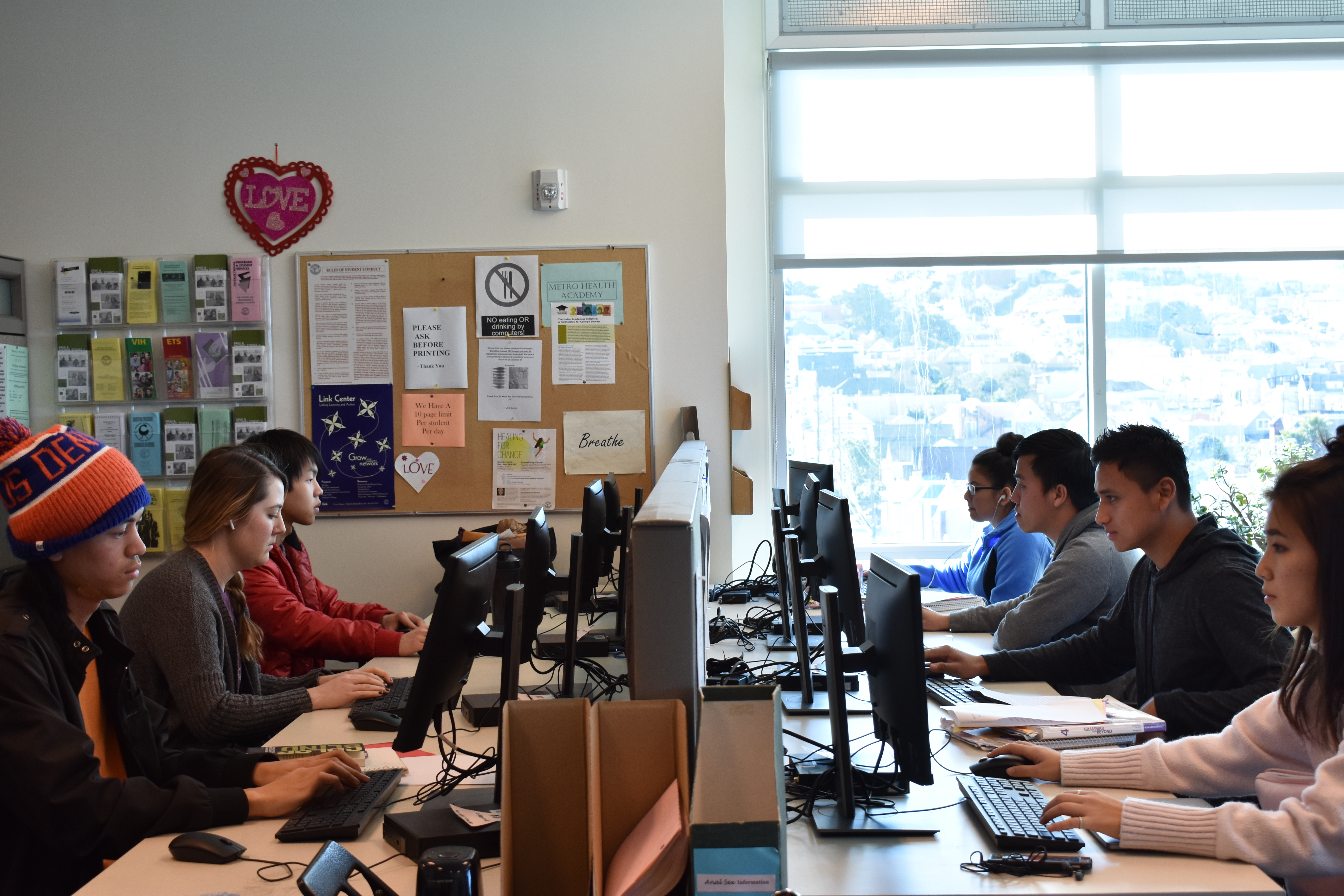 Various students can be seen utilizing the Link Center, MUB 301, for printing and computers in between classes on Feb. 15, 2017. Photo by Veronica Steiner/The Guardsman.