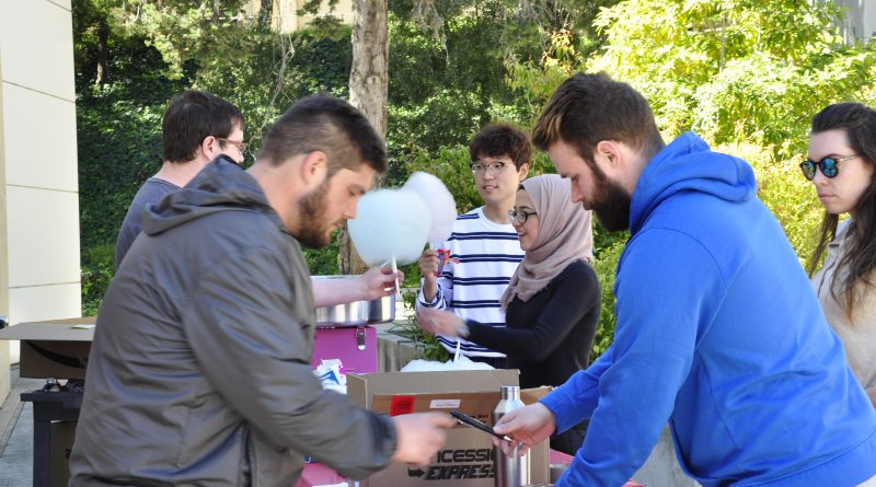 The engineering club gave away cotton candy to students who reached out to inquire about their activities during Unity Day at Ocean Campus on March 7, 2018. Photo by Janeth R. Sanchez/The Guardsman.
