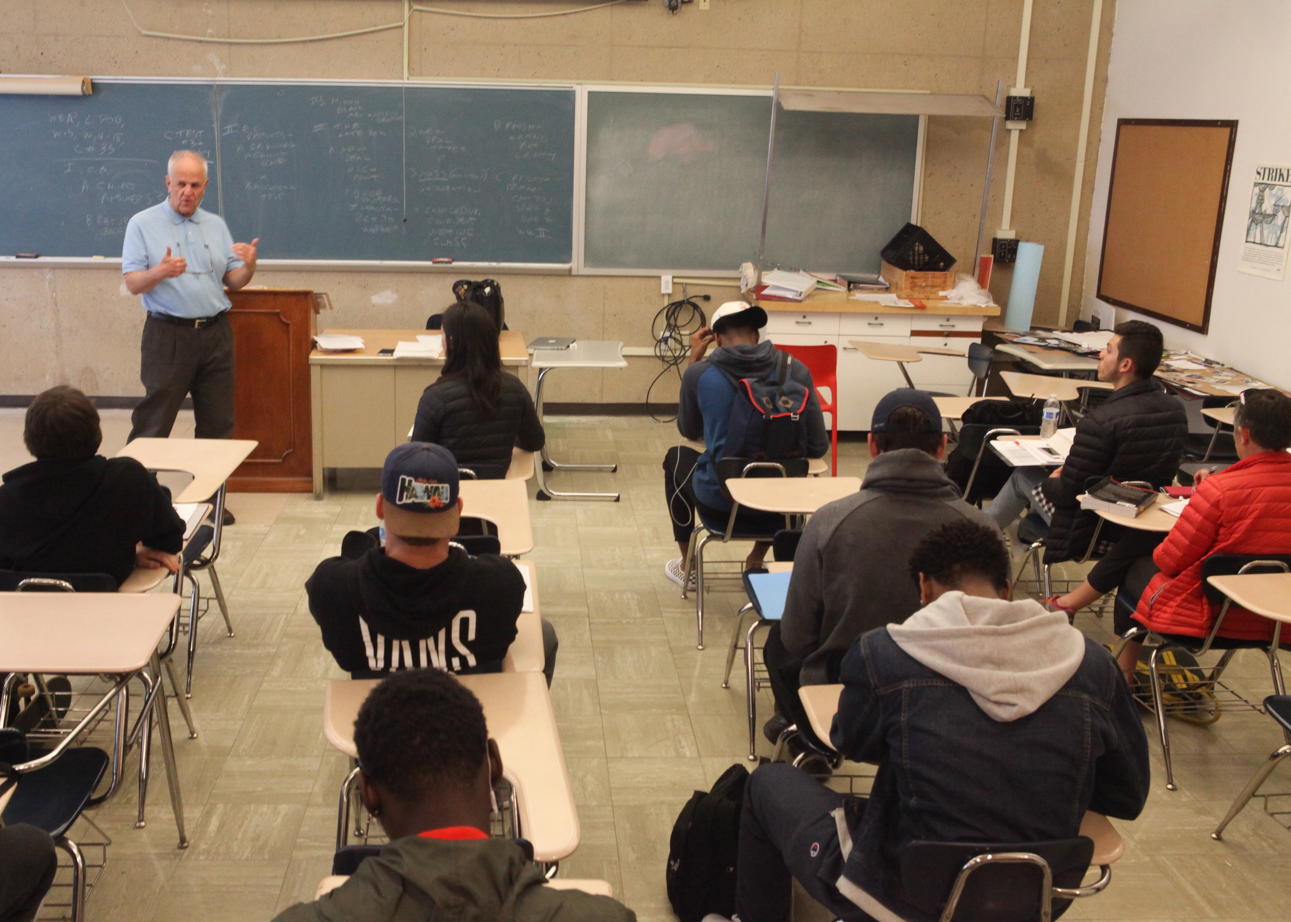 Professor William Shields teaches his Labor Community Studies class on April 18 at City College's Ocean Campus. The Labor Community Studies class, LBCS 70B, is one of the few classes that are at stake of being cut at City College. . (Photo by Cassie Ordonio/Special to The Guardsman)