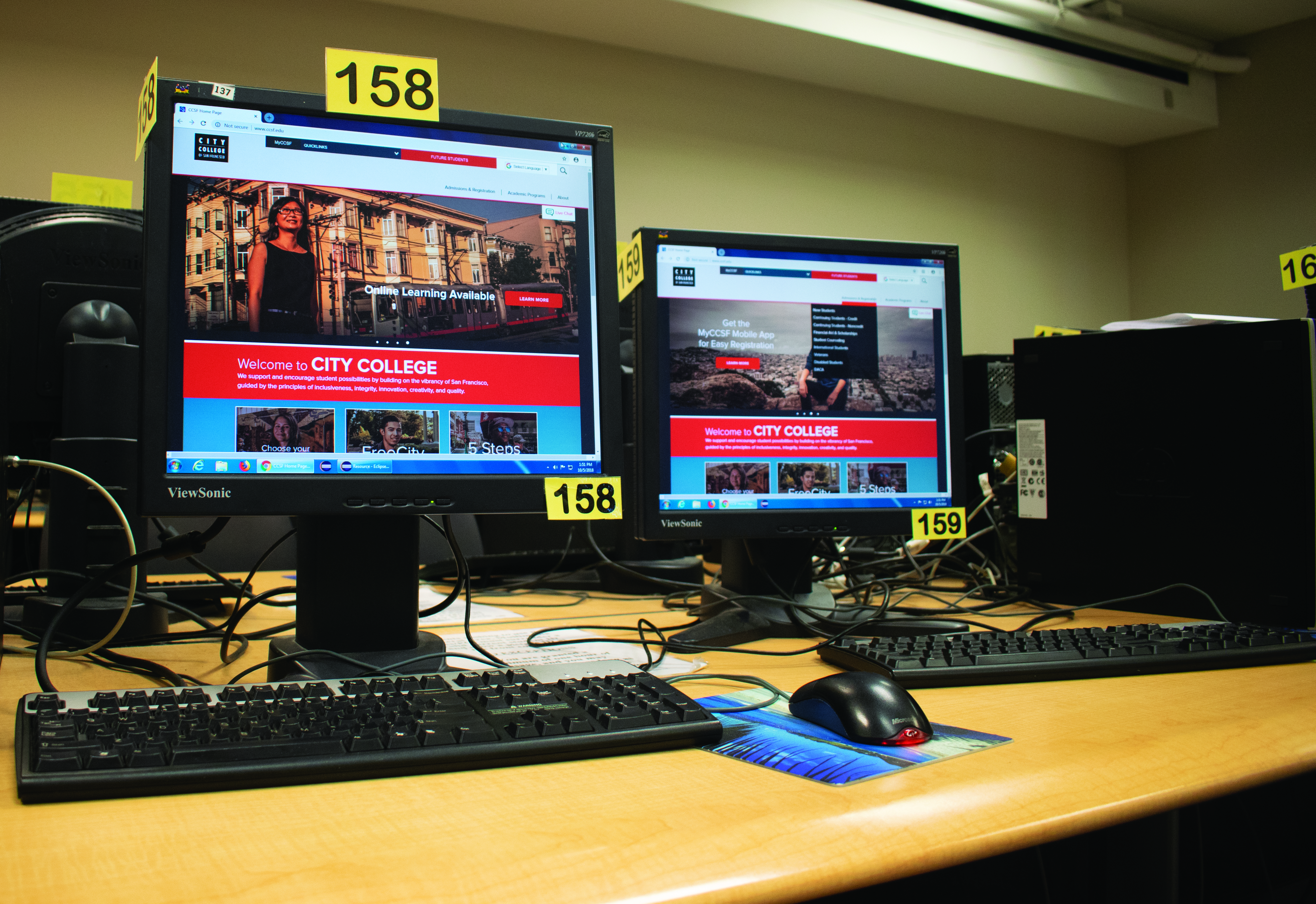 New features of the City College of San Francisco home webpage includes a student support chat where trained individuals responds to other's inquires. Photo by Sarah Berjan/ The Guardsman.
