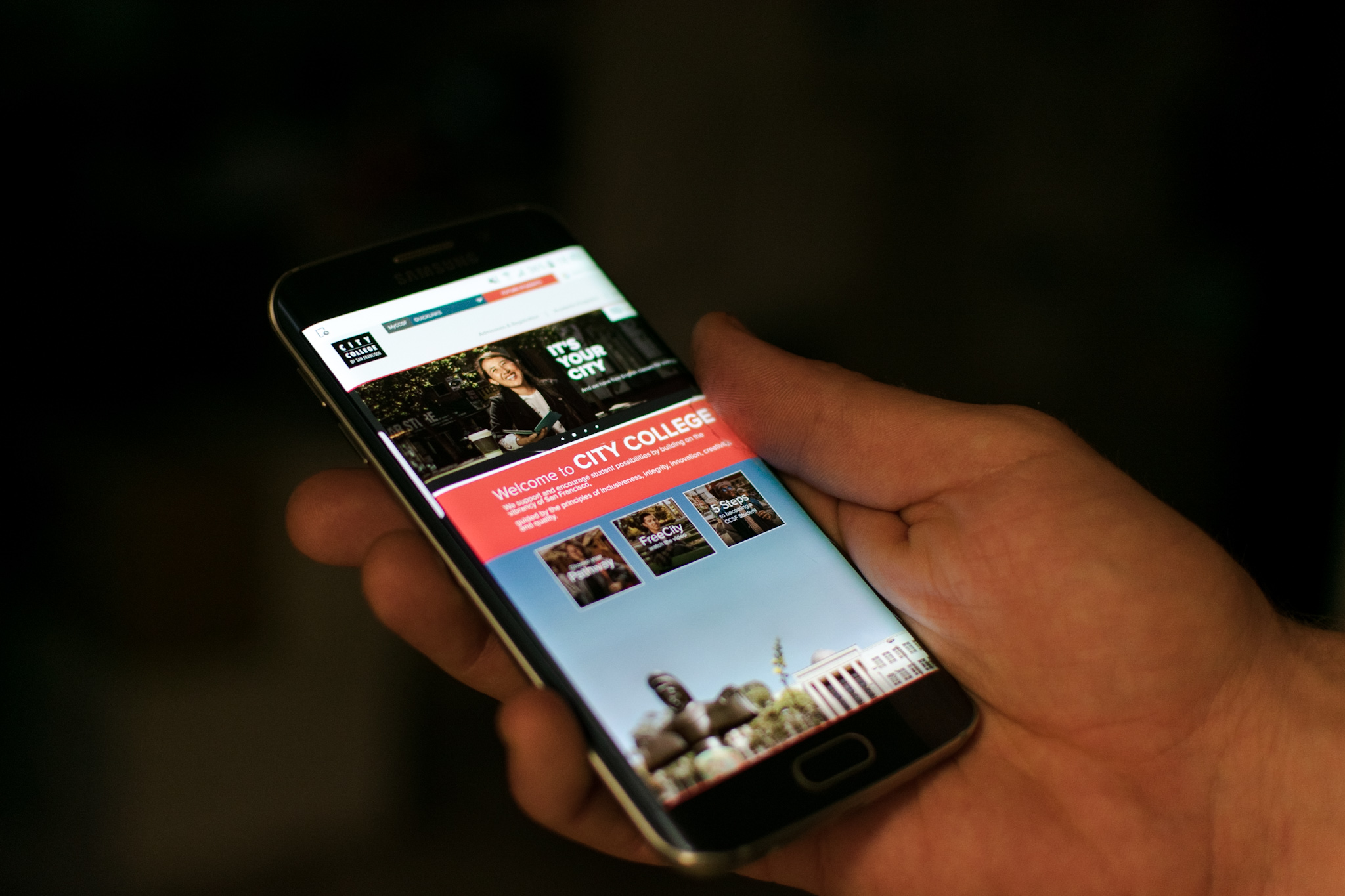 The homepage update to CCSF's website displayed on mobile platforms, captured on Oct. 7. Photo by Cliff Fernandes/The Guardsman